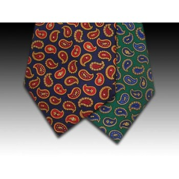 Traditional Small Paisley Pattern on Printed Silk Tie