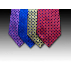 Shimmering Woven Silk Tie with Plain Diamond Motif